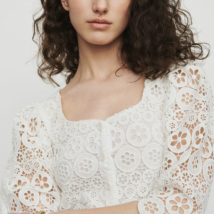 Cropped top in daisy guipure : Tops & Shirts color White