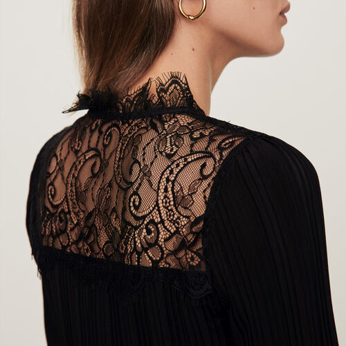 Pleated top with lace trim : Winter collection color Black