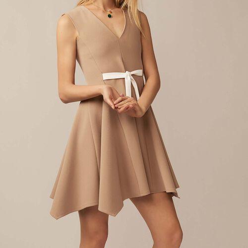 V-neck pinafore dress : staff private sale color Camel