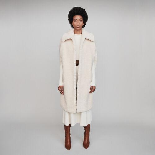 Faux fur cape coat : Winter collection color Ecru